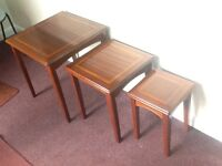 Nest of 3 tables in rosewood/cherry