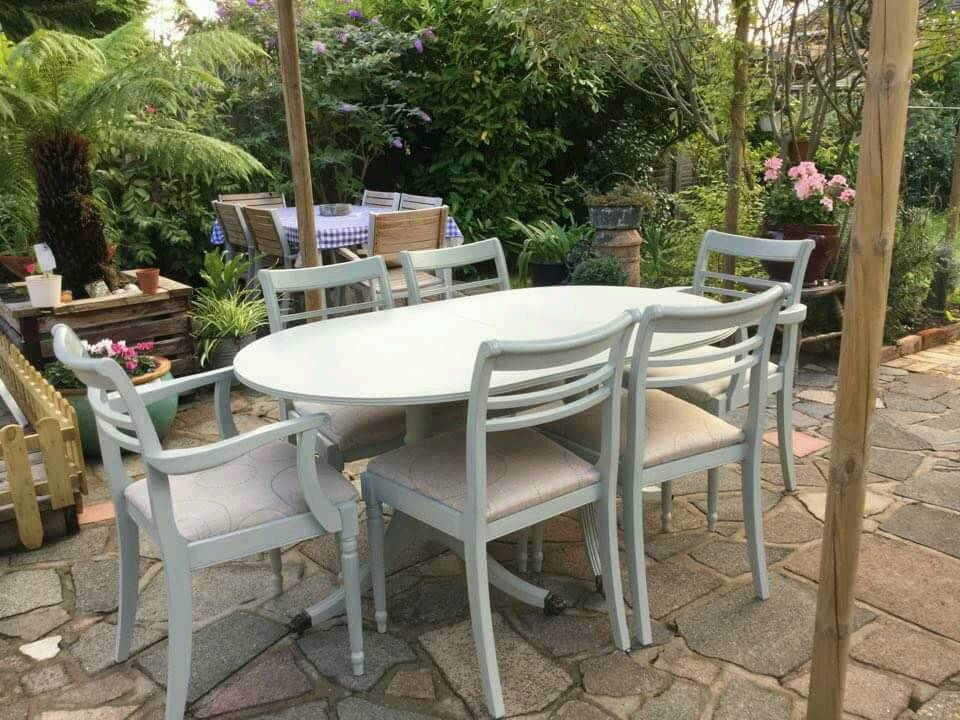 Refurbished French Country Shabby Chic extendingl table and 6 chairs (2 Carvers)
