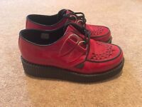 Red Underground London Creeper Shoes SIZE 4
