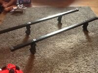 Auto maxi roof bars suitable for a Renault scenic 2004-2009