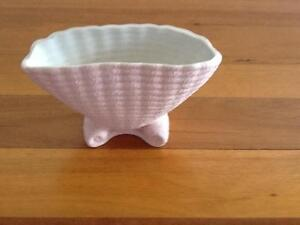 Art Deco Pink Shell Vase Taren Point Sutherland Area Preview
