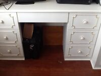 Lovely white 5' dressing table plus 3' drawer unit with corner display over