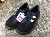 Size 8 safety trainer shoe