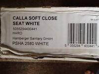 Brand new calla soft close seat