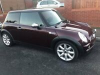 Mini Cooper 1.6 with chill pack - 2002 -79600 Genuine Miles