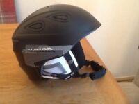 Mens alpina ski helmet Grap 2. Size 54-57.
