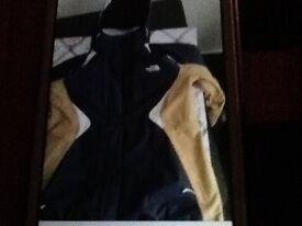 Size medium north face coat (worn couple times)like new