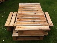 Small pallets for sale ,quality wood.... ideal for making furniture