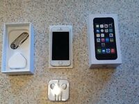 Apple iphone 5s Silver16GB excellent condition open to EE networks