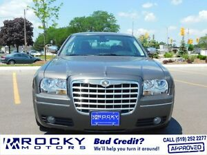 2010 Chrysler 300 Touring $16,995 PLUS TAX