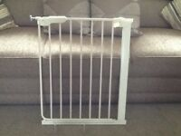 2 Lindam Safety Stairgates
