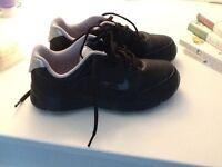 Boys Nike golf shoes UK 1.5 like new
