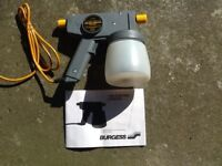 ELECTRIC AIRLESS PAINT SPRAYER ( NEVER USED )