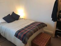 Newly decorated 1 bed flat available in leafy Redland