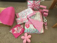Single bed pink bedroom theme