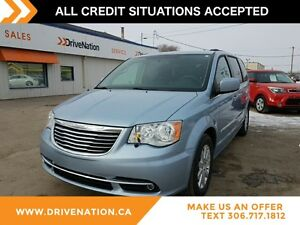 2013 Chrysler Town & Country Touring FAMILY SIZE ! SEATS 7