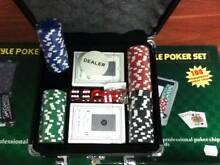 TEXAS HOLD EM -100 PROFESSIONAL CHIPS 13.5G CHIPS- COMES WITH DEA Labrador Gold Coast City Preview