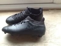 Boys size 2 Adidas X16.3 Blade style football boots