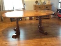 Dining table seats 6 or 4