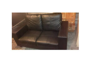 BLACK LEATHER VERY MODERN 2 SEATER SOFA 2 WEEKS OLD ULTIMATE COMFORT GOOD CONDITION HARDLY USED