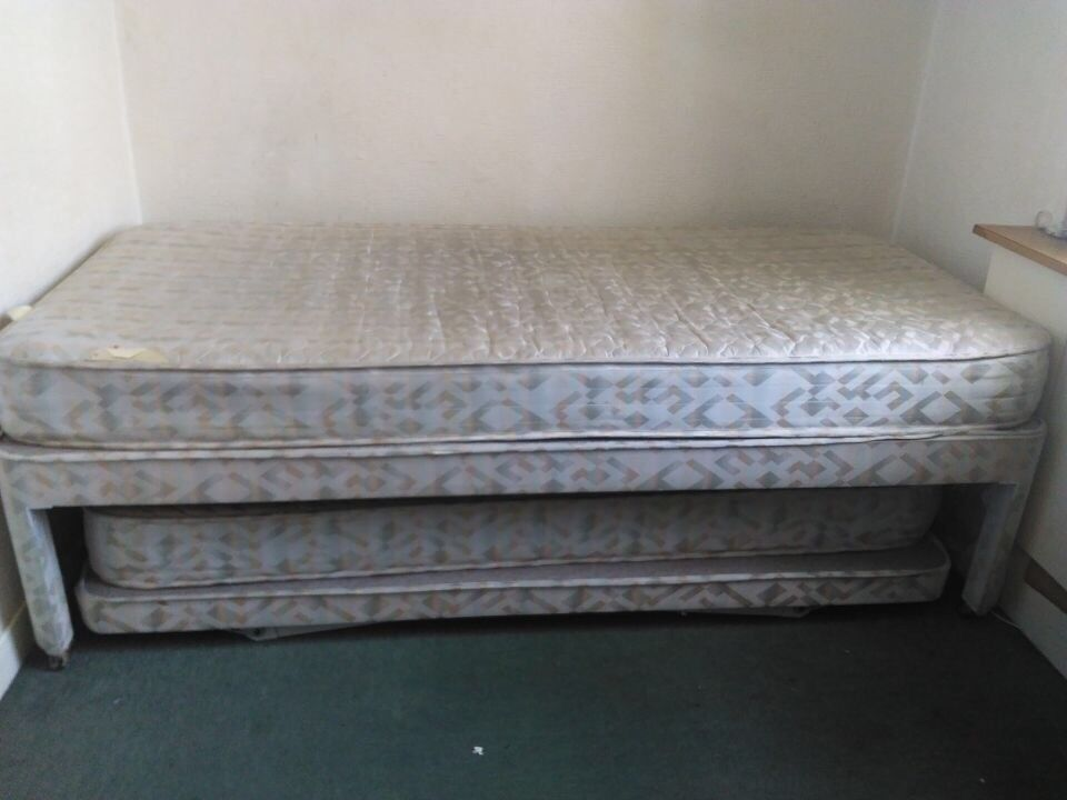 Practical 2-1 single bed, can pull out convert to a double bed ...