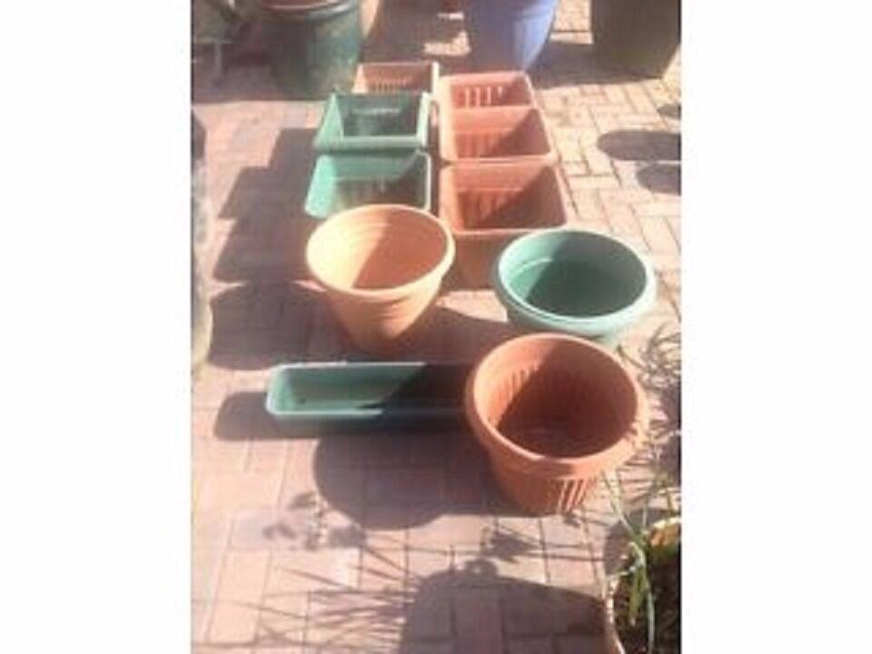 Plastic garden pots medium size
