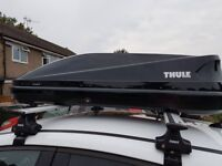 Thule 200m touring roof box. Gloss black