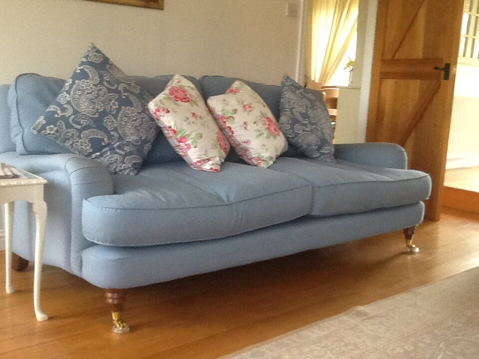 laura ashley hertford sofa in hawick scottish borders gumtree. Black Bedroom Furniture Sets. Home Design Ideas