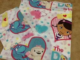 Doc mc stuffin quilt (toddler / cotbed size )