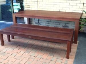 SOLID TIMBER OUTDOOR TABLE Fulham Gardens Charles Sturt Area Preview