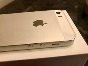 Sales iPhone 5S 16gb unlocked *Brand new*