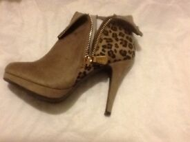 Xti Territory, Ankle boots.. Taupe colour/leopard print.. U.K. Size 6..Euro 39