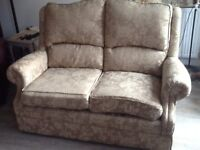 Charming Cottage style 2 seat Sofa, excellent quality, ivory rose pattern, high back