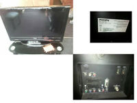 MURPHY TV THIRTY TWO INCH FREEVIEW REMOTE HDMIs SCART AND MORE CAN BE SEEN WORKING GOOD PICTURE