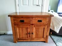 OAK FURNITURE LAND SOLID CHUNKY SIDEBOARD STUNNING LIKE NEW CONDITION