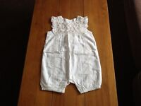 Pretty brand new baby girls play suit/romper, 9-12 months, exc condition
