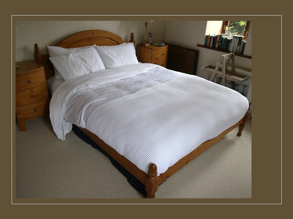 Solid Wood King Size Bed - Grab a Bargain!
