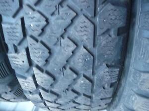 4 pneus d'hiver 185/60/15 Snowtrakker Pacemark, 50% d'usure, mesure 6, 6, 6 et 7/32.