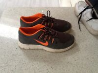 Pair Nike trainers size 7 to clear £12