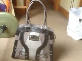 Genuine GUESS medium size handbag-barely used, in excellent condition-grey,beige and black