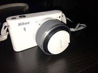 Nikon 1 J1 Camera White