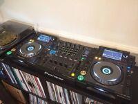 2x Pioneer CDJ 2000 Nexus & DJM 900 Nexus