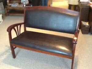 Solid teak bench with leather seat