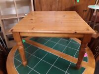 Large solid pine coffee table Copley Mill Low Cost Moves 2nd Hand Furniture STALYBRIDGE SK15 3DN