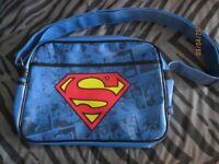 SUPERMAN RETRO MESSENGER SHOULDER BAG BRAND NEW WITH TAGS STILL ON