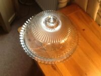 Cake plate with dome lid