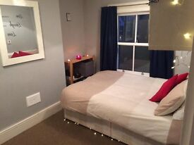 !! DOUBLE ROOM IN STOCKWELL AVAILABLE !!
