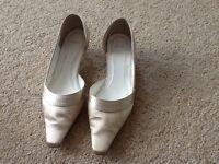 Ivory Wedding Shoes Size 7