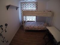 Lovely double room to share with a Portuguese girl, just for girls.