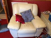 Cream leather 3 piece suite recliner armchairs & 3 seater sofa